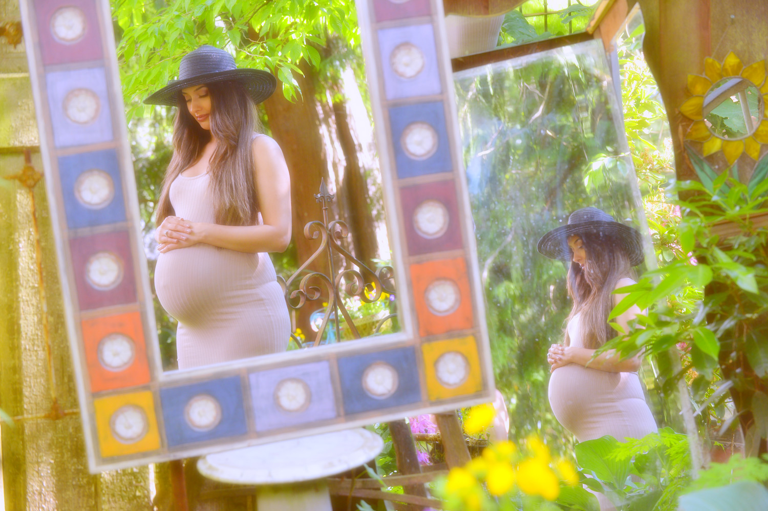 artistic-maternity-photography